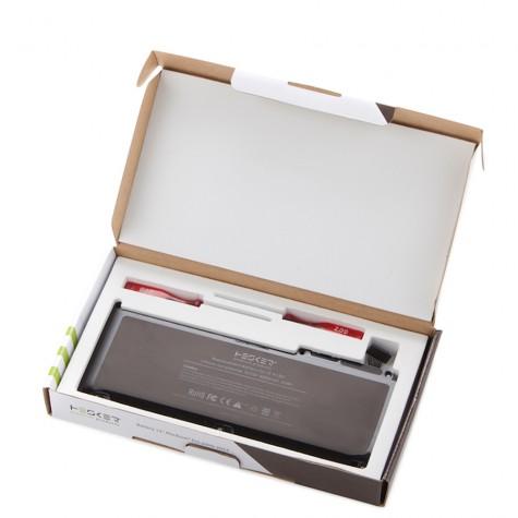 A1331-Macbook-Unibody-Wit-13-inch-doosopen